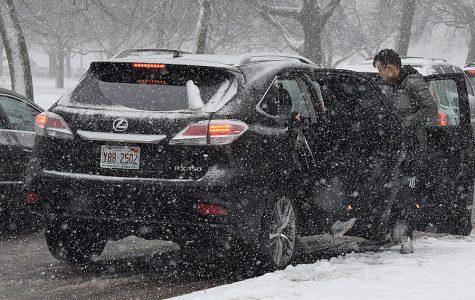 First major snowfall complicates travel