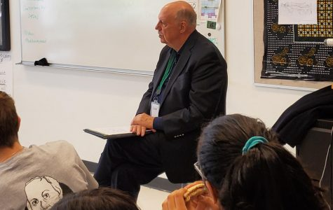 U-High students talk with former Chicago alderman