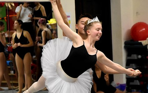 "Lab students bond through ""The Nutcracker"""