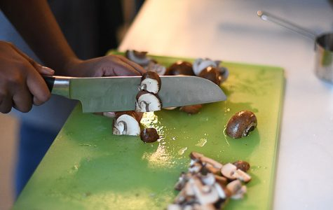 Club takes teaching cooking into student hands