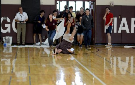 Students flood into gymnasium at back to school event in 2019.
