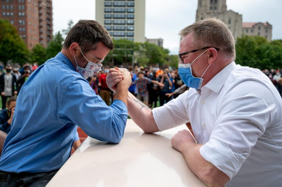 Photo gallery: Faculty face off in Homecoming arm wrestling tournament